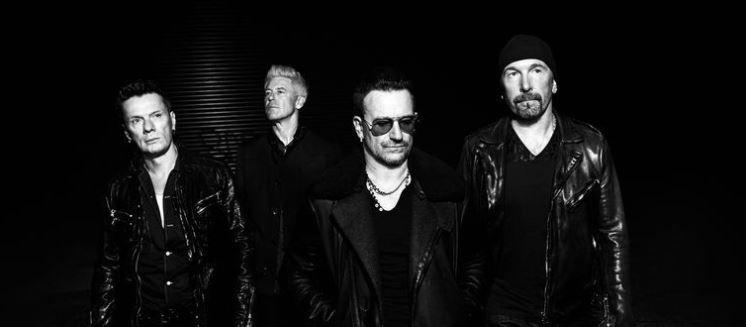 U2   Bono forçado a repouso após acidente de bicicleta é substituído por Bruce Springsteen e Chris Martin na atuação do evento da RED